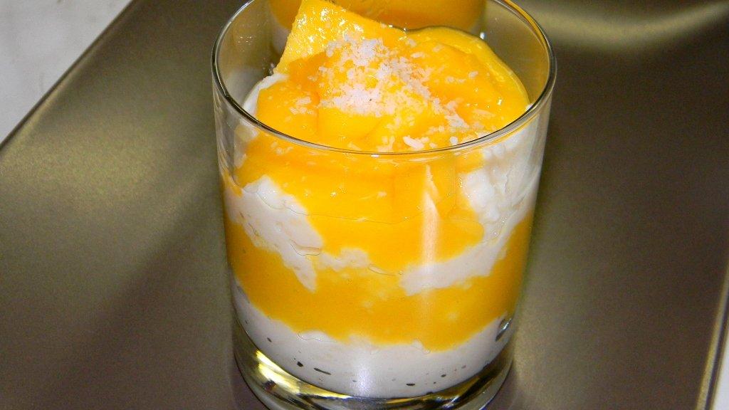 Kókuszos tejberizs, mangóval