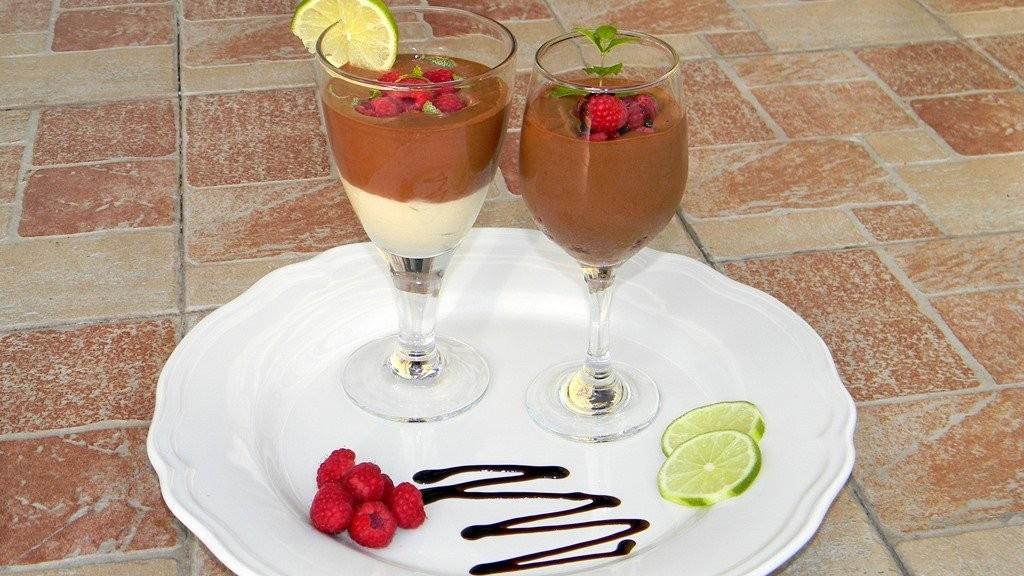 Csokoládé és lime mousse, málnával és balzsamecettel