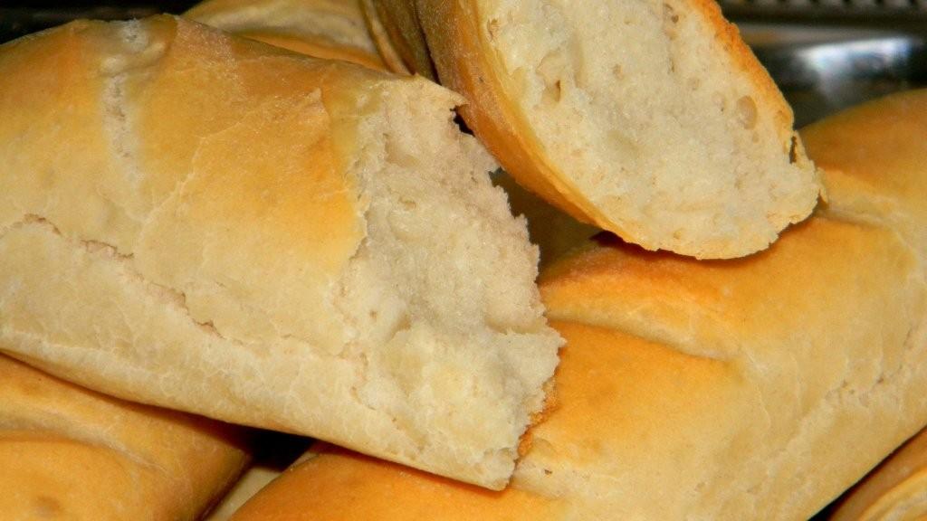 Bagett a legegyszerűbb kenyértésztából