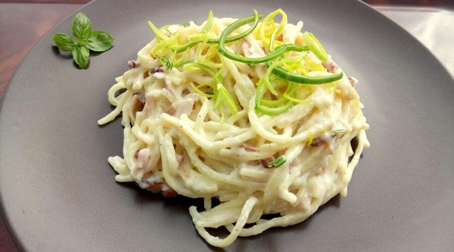 Sajtos-baconös spagetti